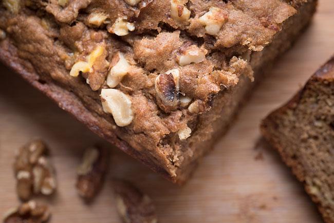 easy banana nut bread recipe with walnuts