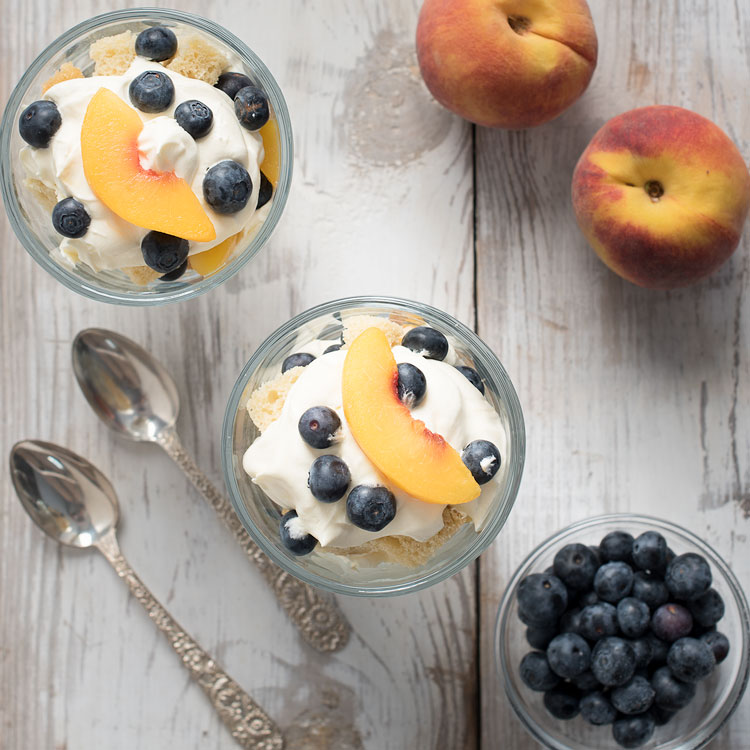 how to make blueberry trifle dessert